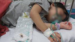 Bé gái bị hóc loại quả được nhiều gia đình yêu thích, quá trình cứu con khiến người mẹ sợ hãi và ám ảnh