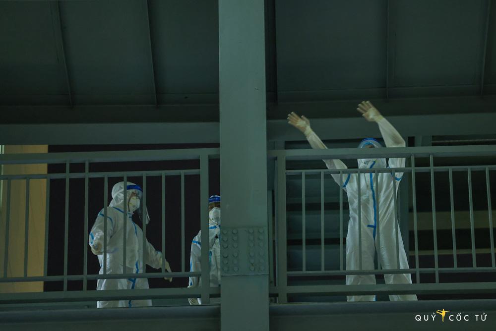 NS Trần Mạnh Tuấn biểu diễn saxophone trong bệnh viện dã chiến lay động mạnh: Đây là sân khấu đặc biệt nhất cuộc đời tôi - Ảnh 3.