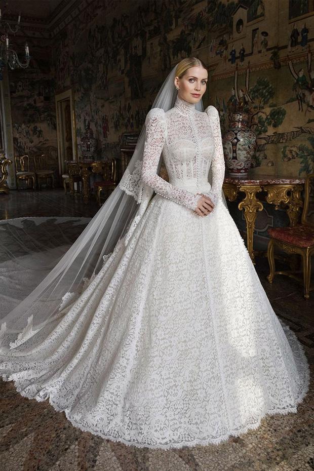 Cháu gái Công nương Diana từng chiếm spotlight tại đám cưới Meghan bất ngờ kết hôn, danh tính chú rể gây chú ý - Ảnh 2.