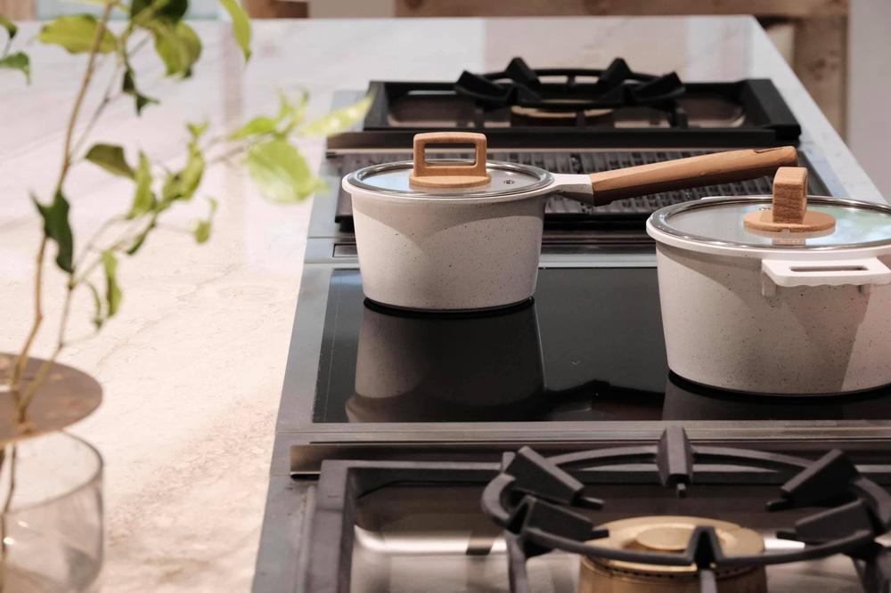 Cận cảnh căn bếp đặc biệt trong biệt thự mới tậu của vợ chồng Hồ Ngọc Hà - Ảnh 7.