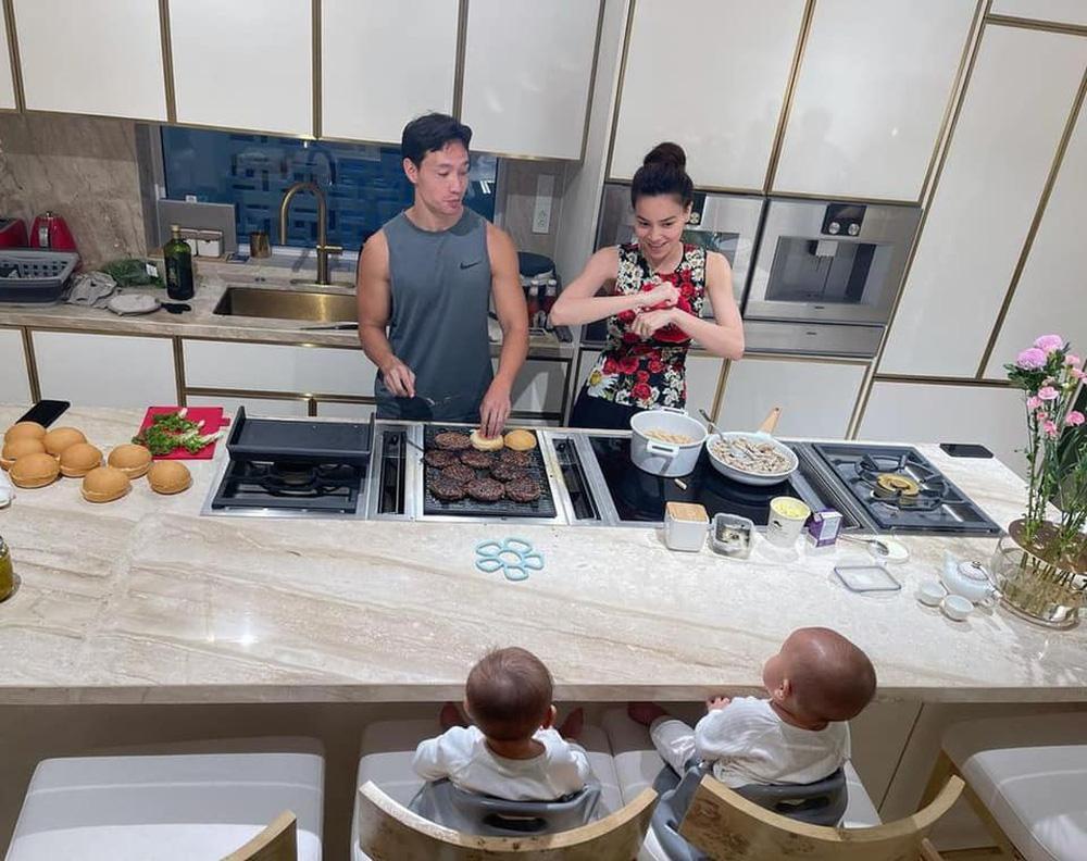 Cận cảnh căn bếp đặc biệt trong biệt thự mới tậu của vợ chồng Hồ Ngọc Hà - Ảnh 3.