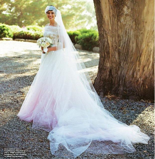 11 pha diện váy cưới hot nhất hành tinh: Bộ loa căng tức của Kim Kardashian liệu có lấn át body vợ Justin Bieber? - Ảnh 17.