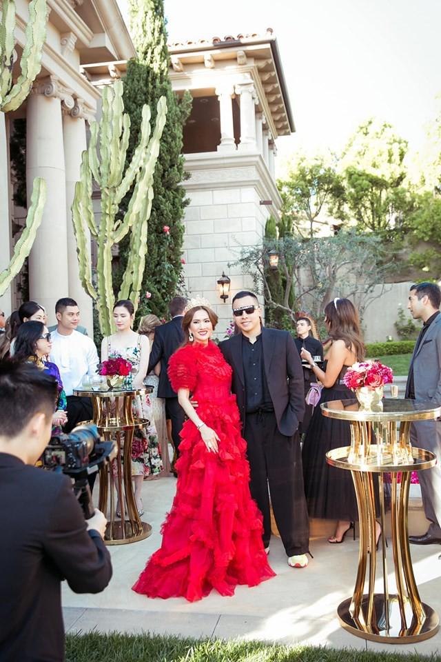 Nữ tỷ phú gốc Việt 52 tuổi vẫn đẹp nóng bỏng, sống siêu giàu trong biệt thự 800 tỷ ở Mỹ - Ảnh 8.