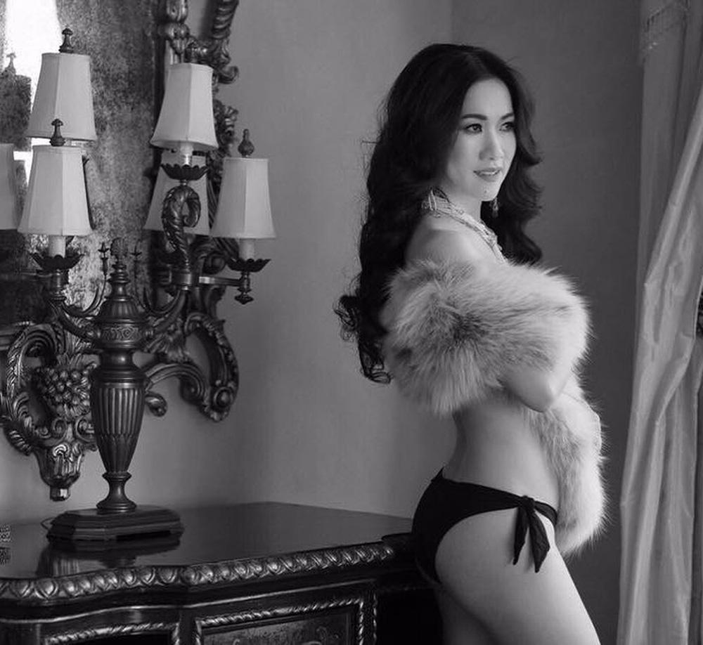 Nữ tỷ phú gốc Việt 52 tuổi vẫn đẹp nóng bỏng, sống siêu giàu trong biệt thự 800 tỷ ở Mỹ - Ảnh 13.