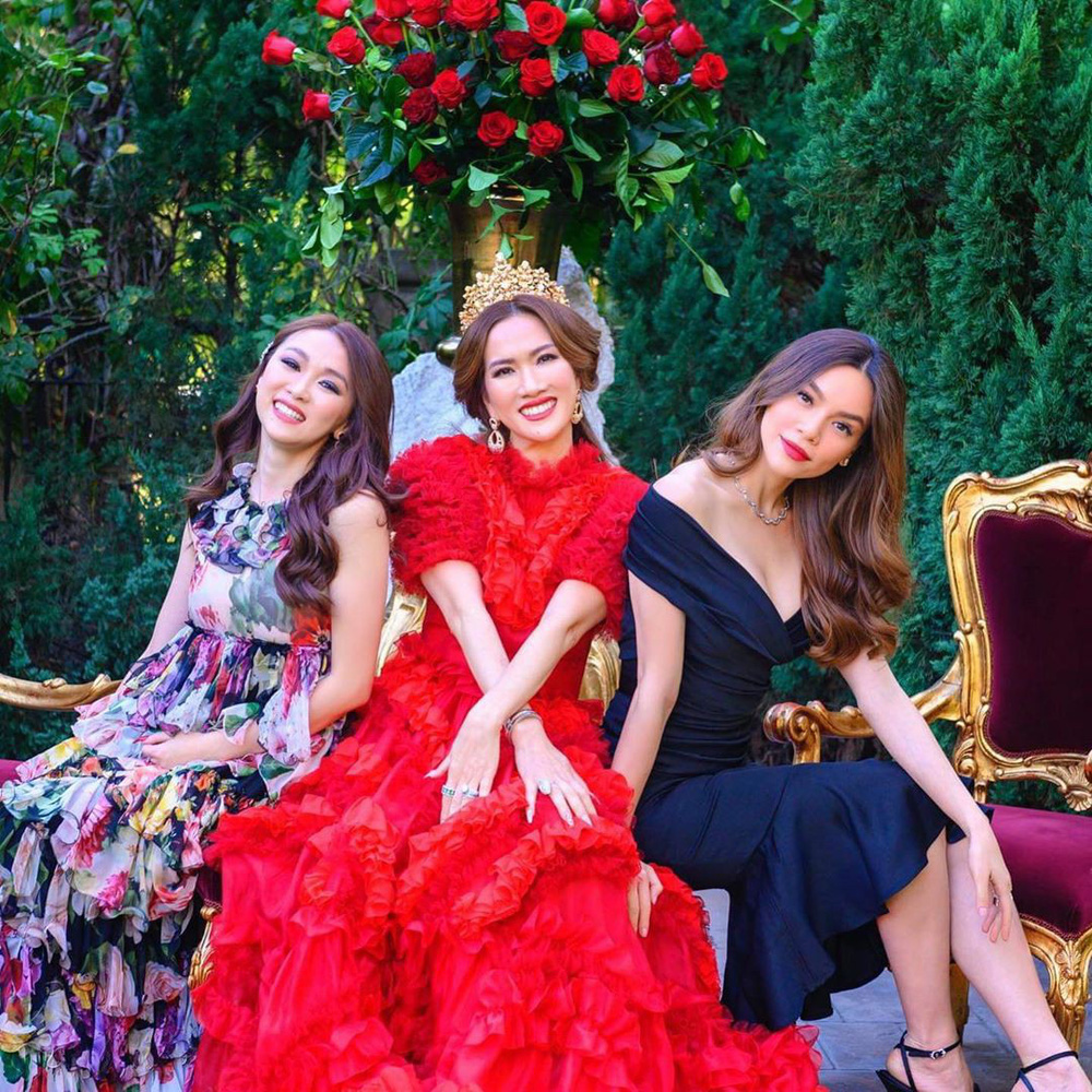 Nữ tỷ phú gốc Việt 52 tuổi vẫn đẹp nóng bỏng, sống siêu giàu trong biệt thự 800 tỷ ở Mỹ - Ảnh 9.