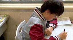 """Thêm bài văn tả mẹ """"bất hủ"""" của học sinh tiểu học: Mẹ đọc xong phải đặt lịch đi thẩm mỹ gấp"""