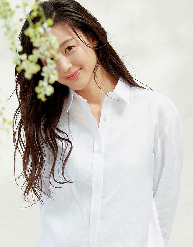 8 mỹ nhân hack tuổi thần sầu của phim Hàn: Son Ye Jin trẻ mãi không già, Jang Nara như ăn thịt Đường Tăng - Ảnh 18.