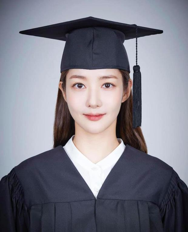8 mỹ nhân hack tuổi thần sầu của phim Hàn: Son Ye Jin trẻ mãi không già, Jang Nara như ăn thịt Đường Tăng - Ảnh 10.
