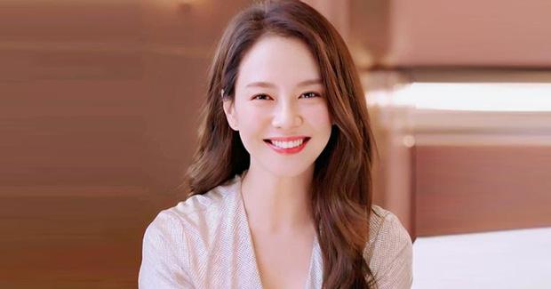 8 mỹ nhân hack tuổi thần sầu của phim Hàn: Son Ye Jin trẻ mãi không già, Jang Nara như ăn thịt Đường Tăng - Ảnh 13.