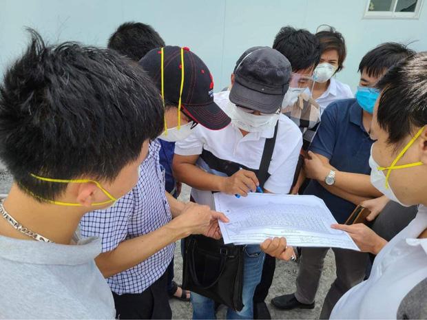 Hơn 300 y bác sĩ Bệnh viện Hữu nghị Việt - Đức cùng 8 tấn trang thiết bị vào TP.HCM chống dịch - Ảnh 1.