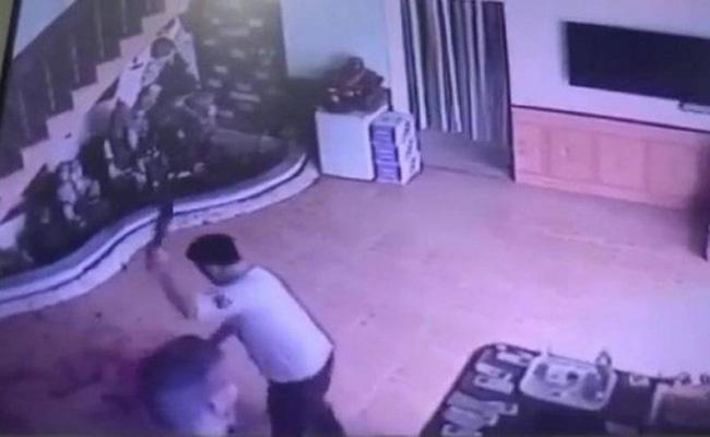 Thông tin mới nhất vụ gã đàn ông chém dã man bạn gái đang mang thai trong nhà nghỉ - Ảnh 4.