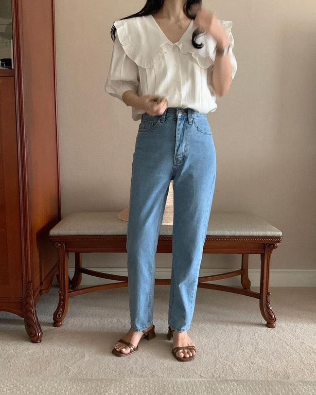 12 cách mặc áo blouse trắng của gái Hàn  - Ảnh 8.