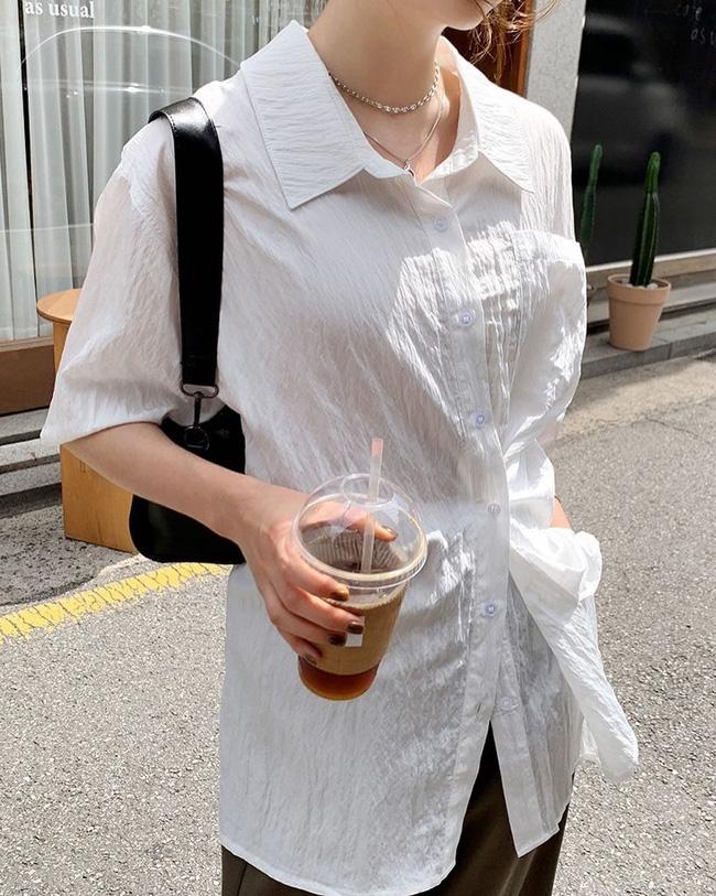 12 cách mặc áo blouse trắng của gái Hàn  - Ảnh 6.