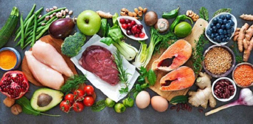 Trẻ nhỏ mắc COVID-19 điều trị tại nhà: Cần bổ sung dinh dưỡng như thế nào? - Ảnh 1.