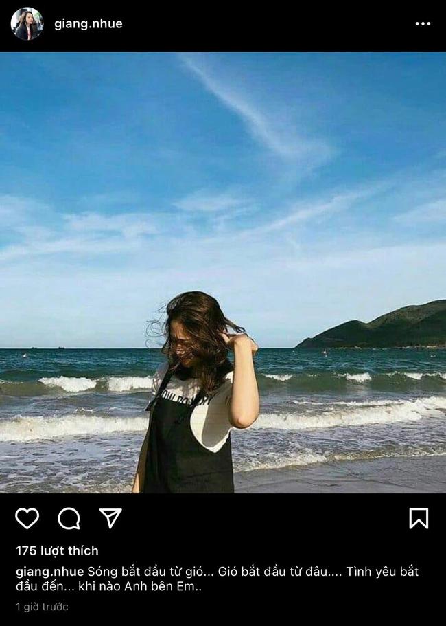 Vợ Xuân Trường đăng tải hình ảnh mũm mĩm và chiếc đầm quen thuộc của hội bầu bí khiến dân tình nghi ngờ - Ảnh 1.