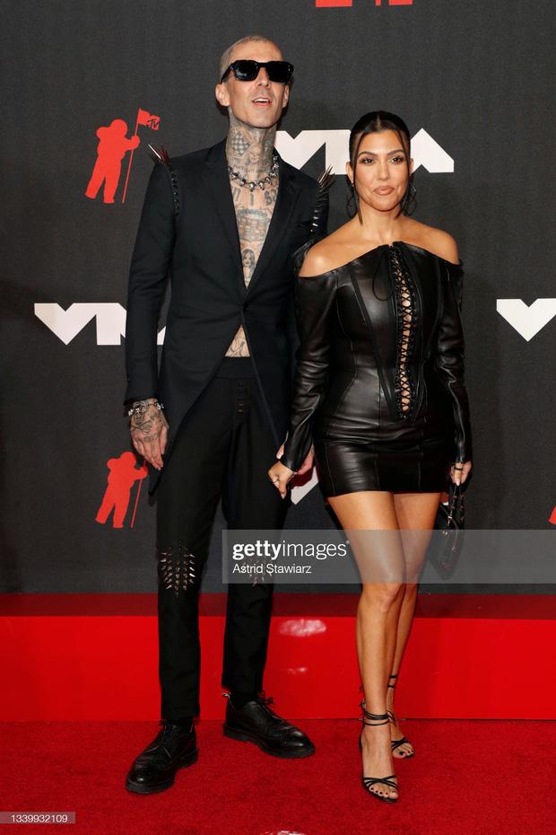 """Siêu thảm đỏ VMAs 2021: Olivia Rodrigo ngực khủng đè bẹp Camila Cabello """"dừ chát"""", Megan Fox mặc như không dẫn đầu dàn mỹ nhân phô da thịt - Ảnh 18."""