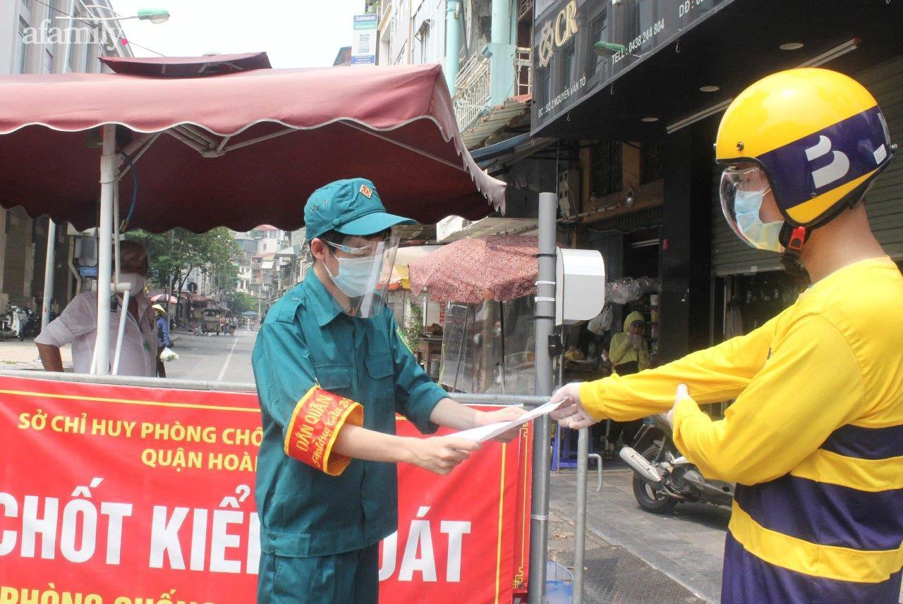 """Hà Nội: Thí điểm ứng dụng tổ chức """"đi chợ cho người dân"""