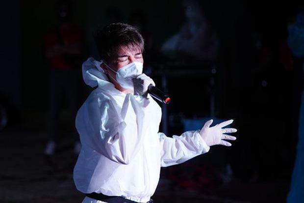 """Sau 6 tháng """"khẩu chiến"""": Bà Phương Hằng tuyên bố dừng livestream, còn loạt nghệ sĩ này thông báo dừng làm từ thiện - Ảnh 6."""