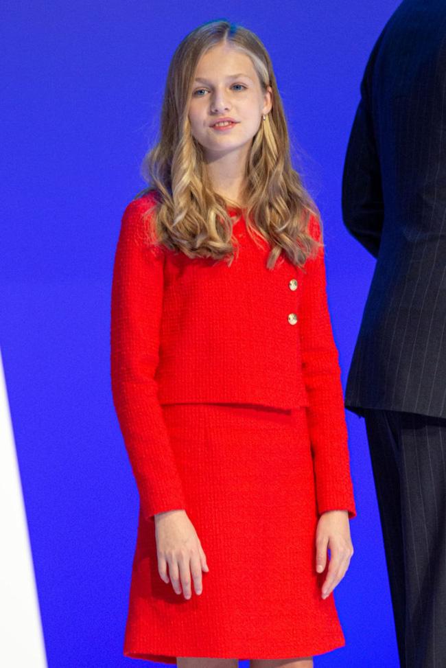 Công chúa Tây Ban Nha càng lớn càng xinh đẹp, phong cách thời trang đẳng cấp đúng chuẩn Nữ hoàng tương lai - Ảnh 5.