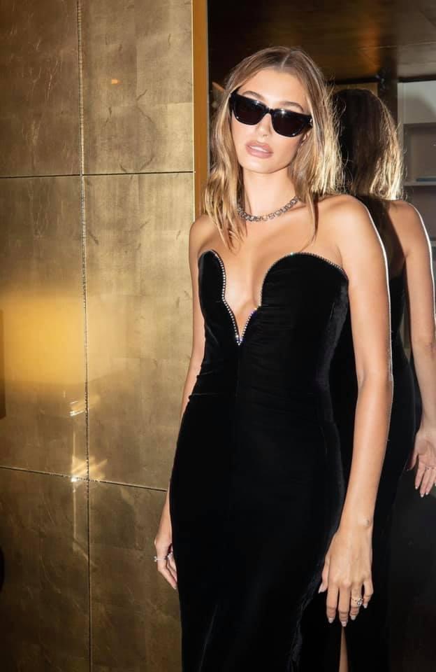 Vợ siêu mẫu của Justin Bieber tung loạt ảnh diện bikini nóng bỏng - Ảnh 8.