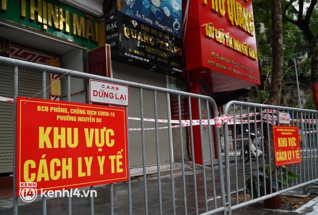 Ảnh: Phong toả 5 tiệm vàng trên phố Trần Nhân Tông sau ca dương tính SARS-CoV-2 - Ảnh 9.