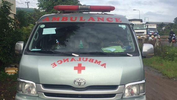 Phát hiện nhiều xe cứu thương chở người từ vùng dịch về