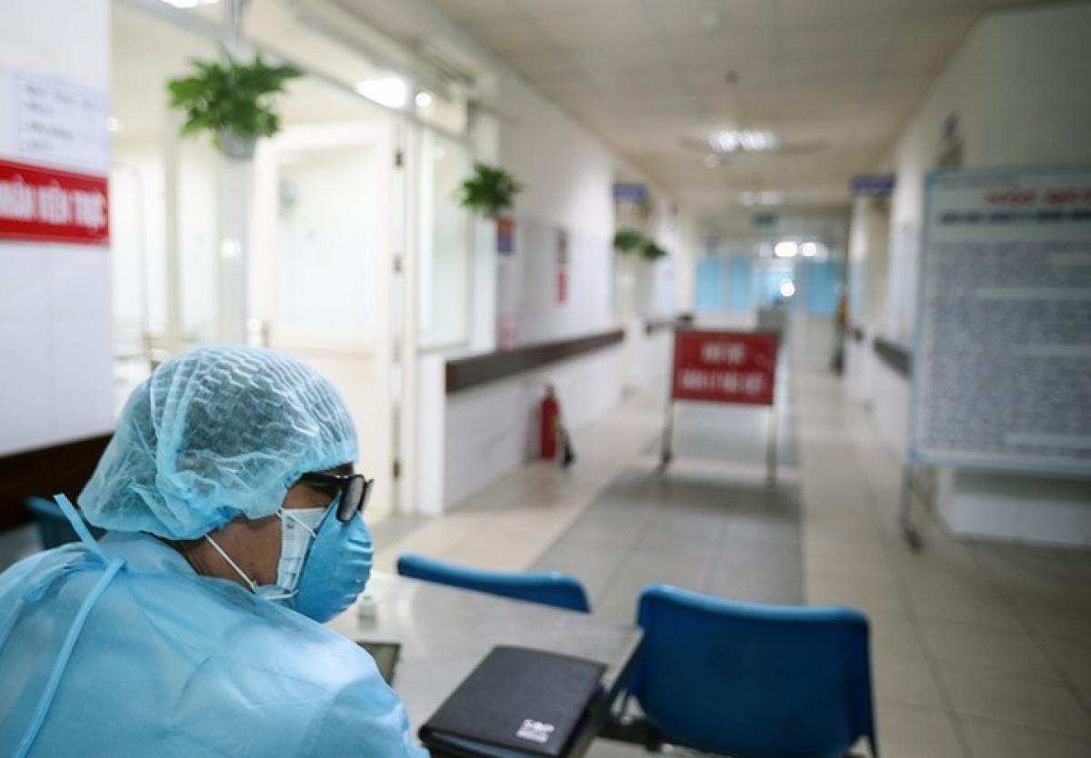Sở y tế Hà Nội yêu cầu người ra vào bệnh viện phải khai báo bằng mã QR - Ảnh 1.