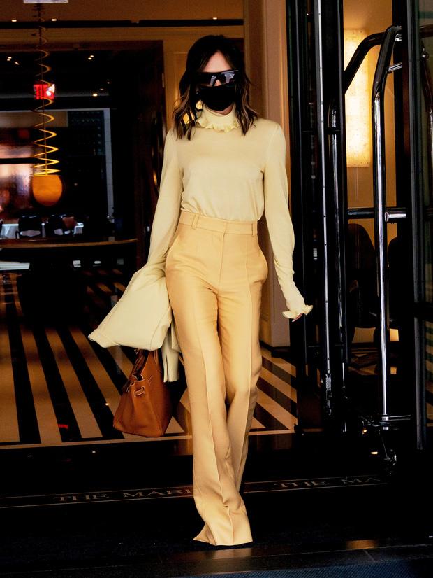 Victoria Beckham có 1 item hack dáng đỉnh cao nhưng để mặc đẹp còn cần sự nâng đỡ tuyệt vời từ ông chồng - Ảnh 4.