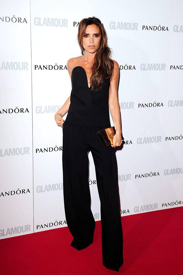 Victoria Beckham có 1 item hack dáng đỉnh cao nhưng để mặc đẹp còn cần sự nâng đỡ tuyệt vời từ ông chồng - Ảnh 3.