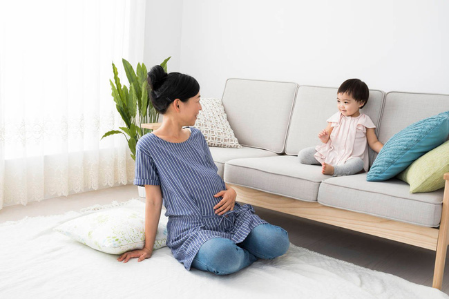 Nghiên cứu của Canada: Bà bầu càng ốm nghén nặng con sinh ra càng thông minh - Ảnh 2.