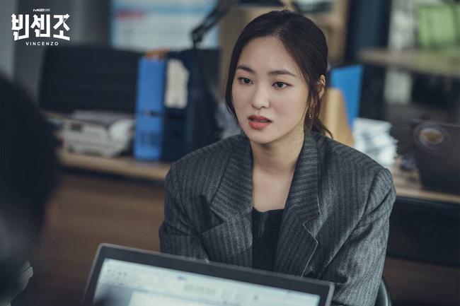 Mặc blazer như nữ chính phim Hàn: - Ảnh 5.