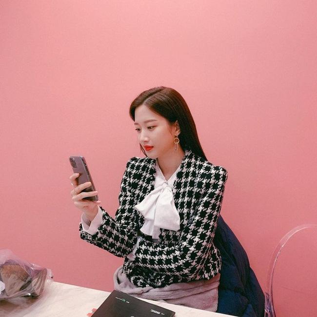 Mặc blazer như nữ chính phim Hàn: - Ảnh 18.