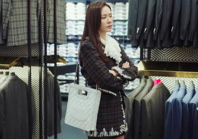 Mặc blazer như nữ chính phim Hàn: - Ảnh 17.