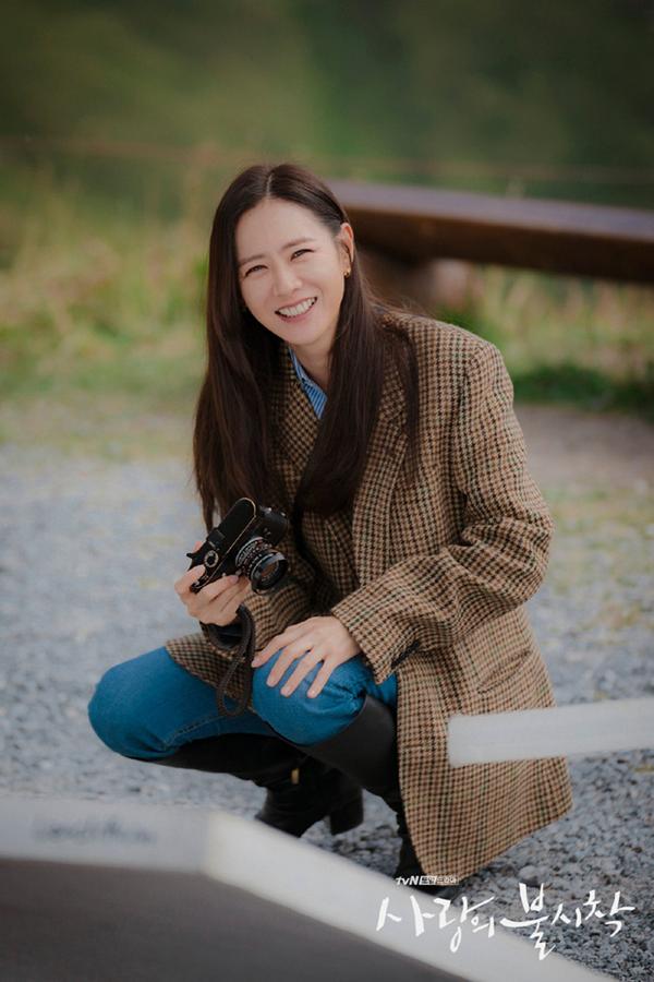 Mặc blazer như nữ chính phim Hàn: - Ảnh 6.