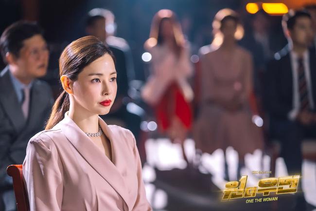Mặc blazer như nữ chính phim Hàn: - Ảnh 7.