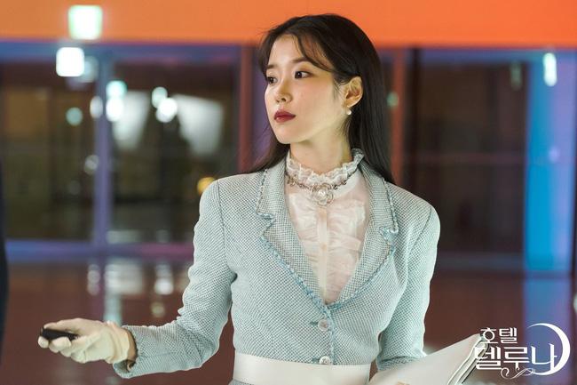 Mặc blazer như nữ chính phim Hàn: - Ảnh 16.