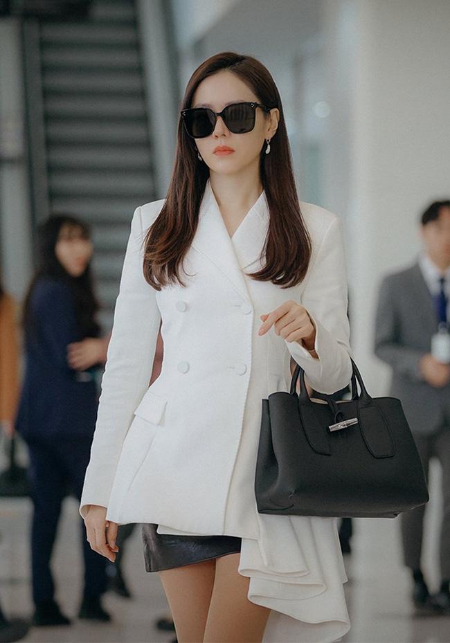 Mặc blazer như nữ chính phim Hàn: - Ảnh 15.