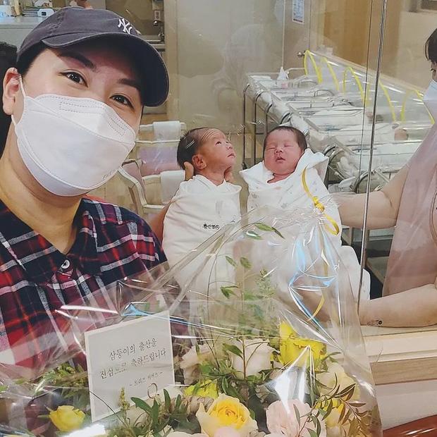Chưa đầy 2 tuần sau khi lâm bồn sinh 3, mỹ nhân Hàn nặng 104kg đã tung clip nhảy nhót tưng bừng, vòng 2 lớn lộ rõ sau lớp váy - Ảnh 6.
