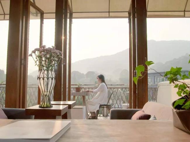 Yêu thích cuộc sống lãng mạn, cặp vợ chồng trẻ tạo không gian xanh mát giữa đồi núi mênh mông - Ảnh 7.