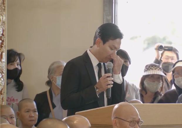 Mạnh Quỳnh nghẹn ngào trong tang lễ của Phi Nhung: Có người nói Nhung bỏ Wendy mà đi nuôi người khác, sai lầm - Ảnh 2.