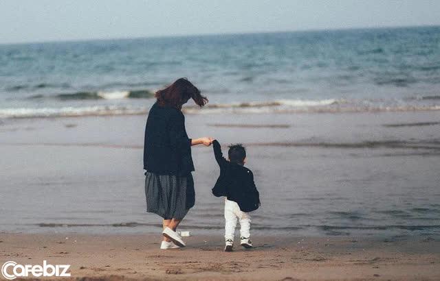 Cuộc đối thoại kinh điển giữa mẹ và con trai: Giá trị giáo dục con cái còn nóng hổi dù đã tới 50 năm - Ảnh 2.
