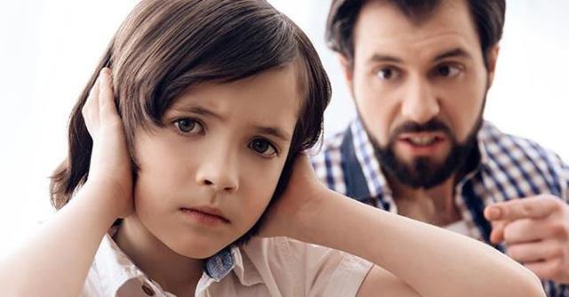 12 loại cha mẹ thất bại trong nuôi dạy con, là nguyên nhân dẫn đến sự trống rỗng cảm xúc của con cái: Dường như ai cũng thấy mình trong đó! - Ảnh 2.