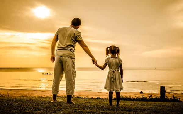 Nghiên cứu khoa học: Cha mẹ nghèo thích để con cái làm 2 loại nghề, hậu quả là càng lúc càng nghèo... - Ảnh 1.